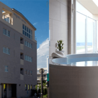 BREATH HOTEL外観とオーシャンプレミアムスイートバスルーム