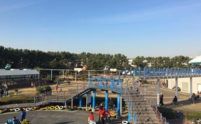 辻堂海浜公園の敷地な内にある交通公園の施設スカイサイクル07