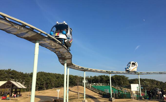 辻堂海浜公園の敷地内にある交通公園の施設スカイサイクル15