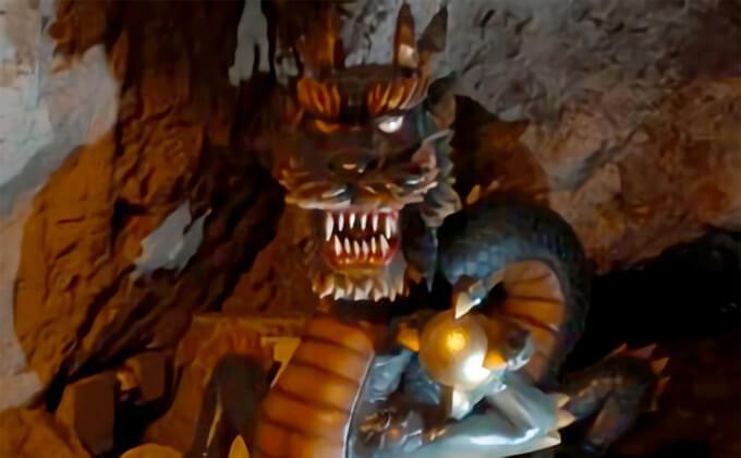 江の島 第二岩屋 龍神様